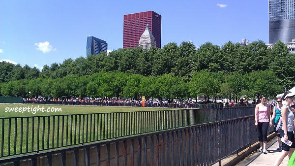 line for Workout in the Park Chicago