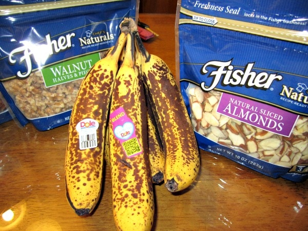 banana bread with fisher nuts