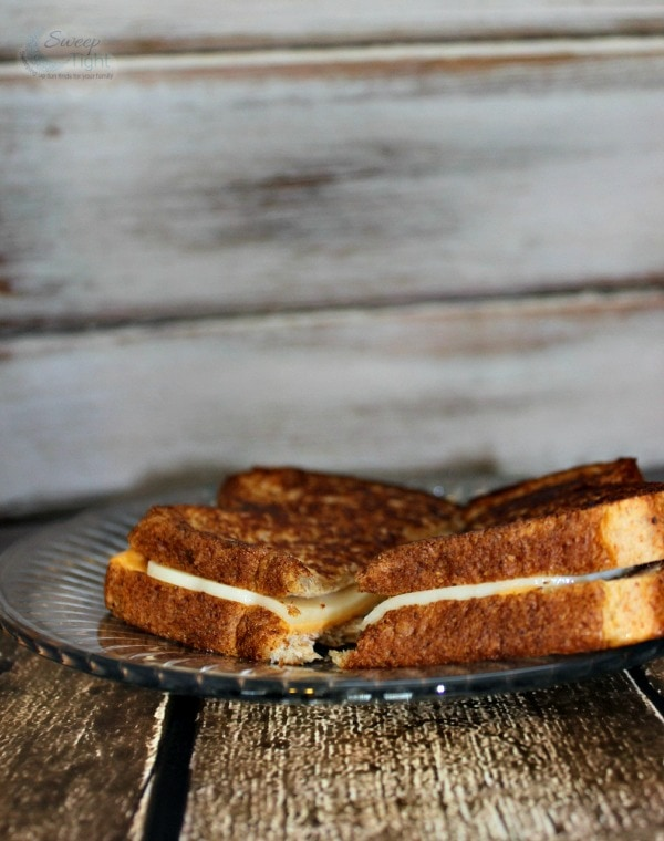 Eat More Whole Grain Bread with Roman Meal