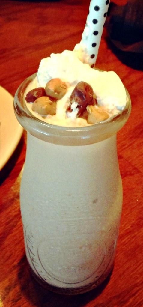Moonshine BBQ at Outback Steakhouse #MoonshineBBQ #MiniMilkshakes