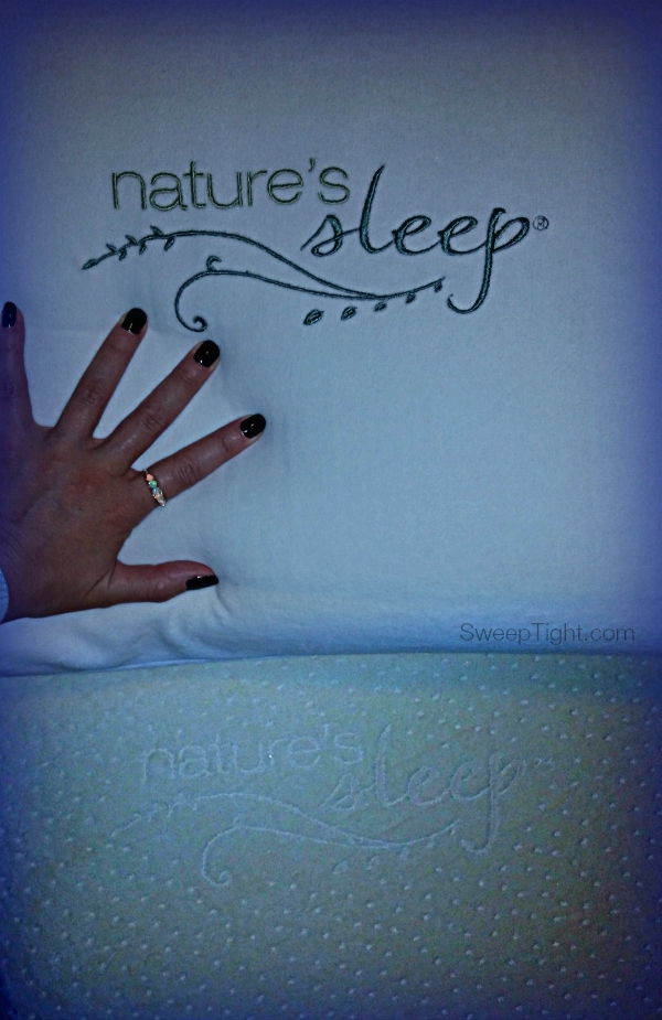 Nature's Sleep Memory Foam mattress and gel pillow have me sleeping like a baby! #NaturesSleep #spon
