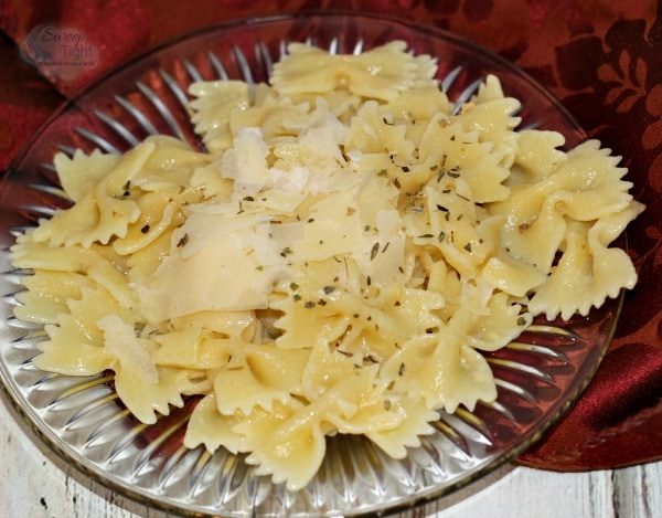 Roasted Garlic and Parmesan Pasta Recipe #MC #PastaFits