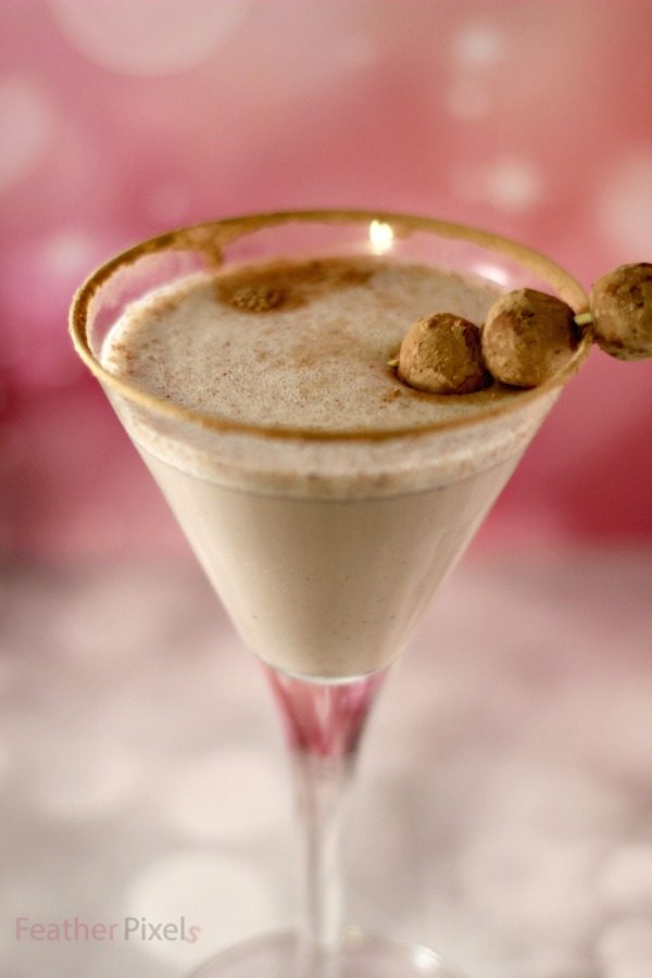 Snickerdoodle mixed drink in a martini glass
