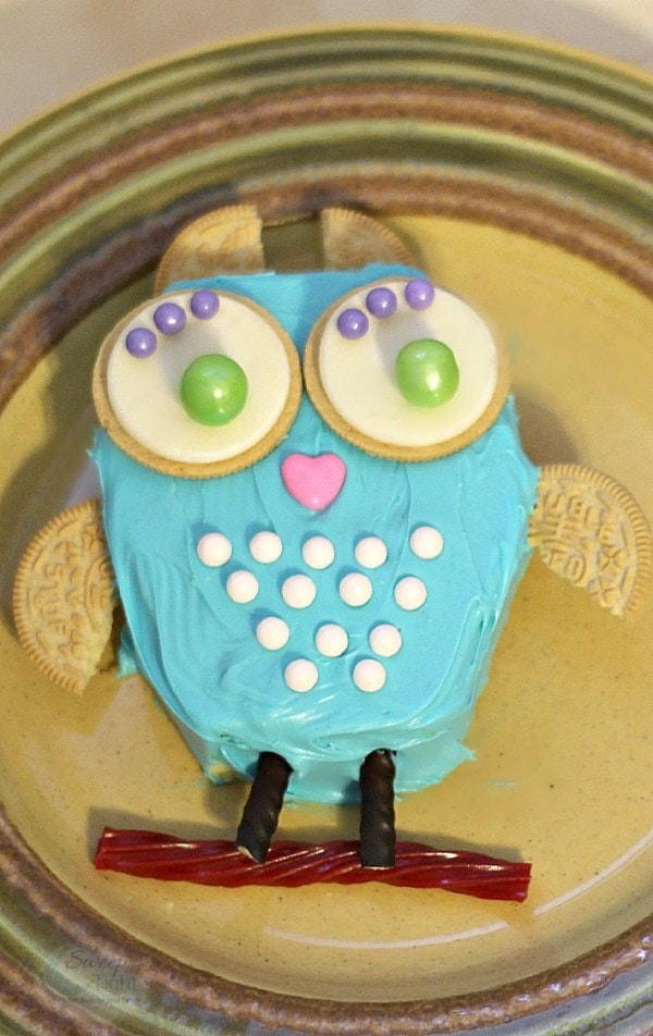 DIY Owl Cake with Sweetworks Candy  A Magical Mess