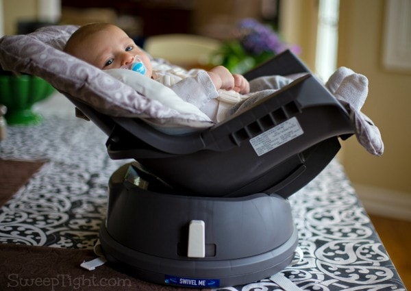 Happy baby nap time in Graco Swivi Seat Booster #spon