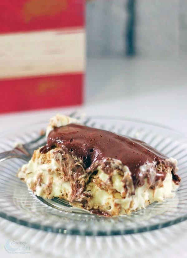 Banana Pudding Eclair Cake – No Bake Easy Dessert