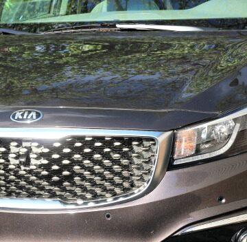 2015 Kia Sedona – Spacious Family Vehicle