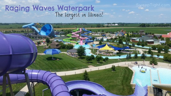 Raging Waves Waterpark is the biggest in Illinois. It's just 45 minutes outside Chicago and so much fun! #EndlessSummer #ad