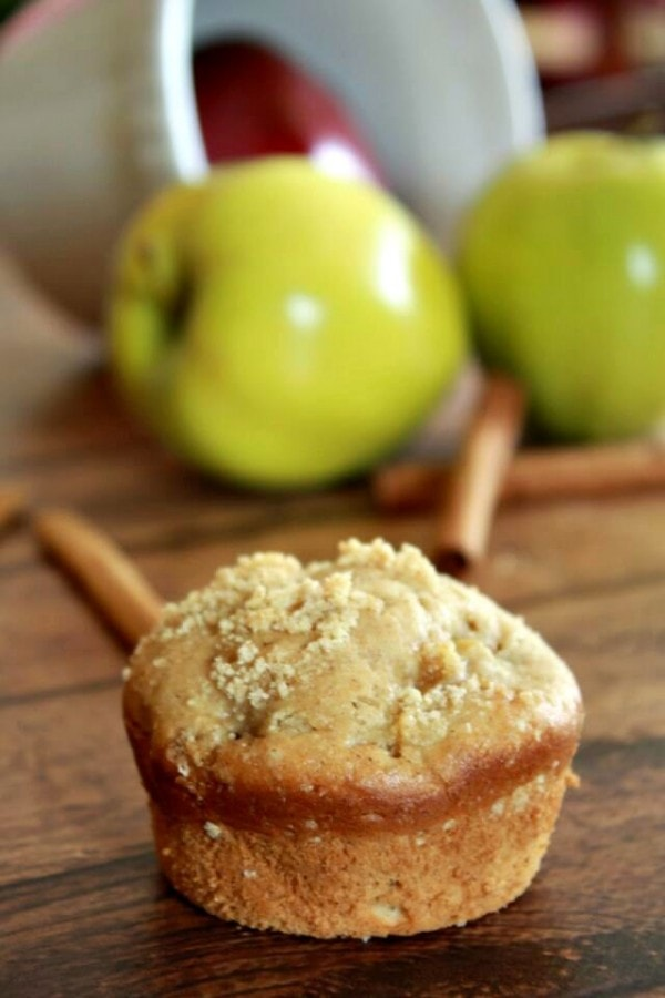 Best Recipes - Apple Recipes at the36thavenue.com Enjoy these Fall Recipes, baked goods, desserts and drinks!