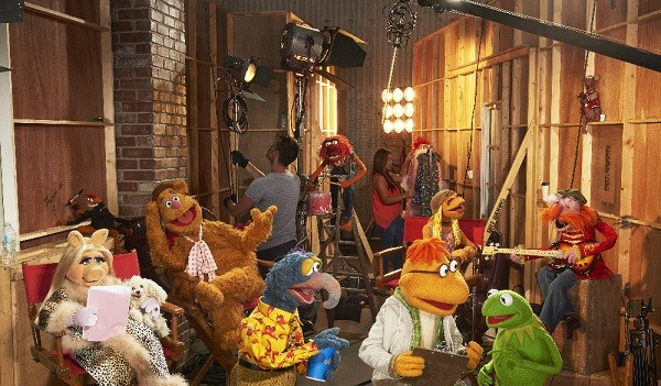 (ABC/Bob D'Amico) MISS PIGGY, PEPE THE KING PRAWN, FOZZIE BEAR, THE GREAT GONZO, ANIMAL, SCOOTER, JANICE, KERMIT THE FROG, FLOYD PEPPER