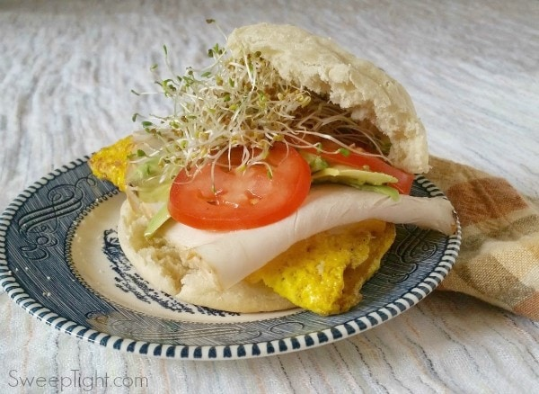 Awesome breakfast sandwich under 350 calories. Add to your healthy breakfast recipes!