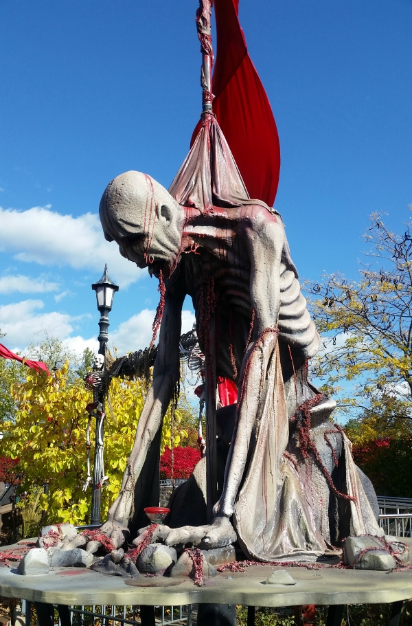 Six Flags Great America – 13 Fright Fest Facts