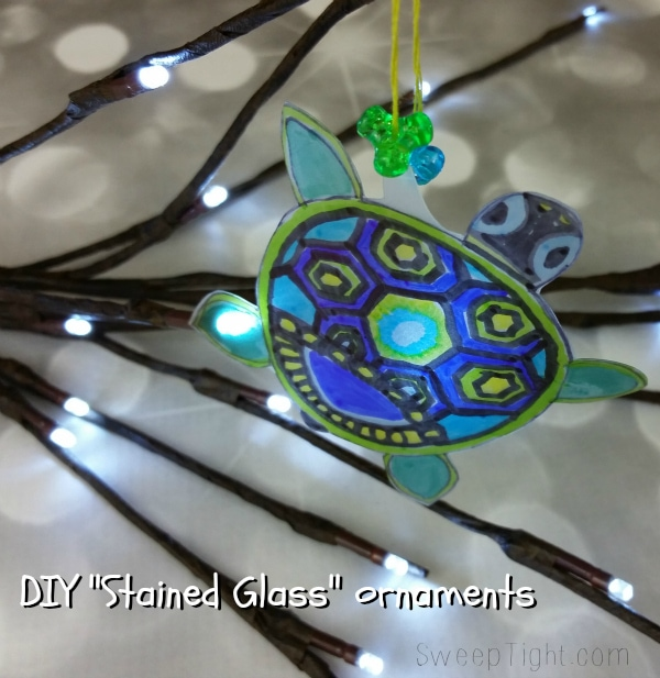 I figured out how to relieve stress and send a smile to a loved one! DIY Stained Glass ornament tutorial