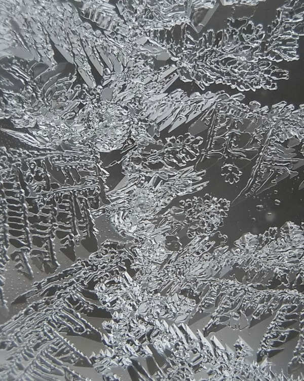 Macro shot of frost on the window. These are the best smartphone camera lenses! #MozeatMobileLens #ClipOnLensKits #spon