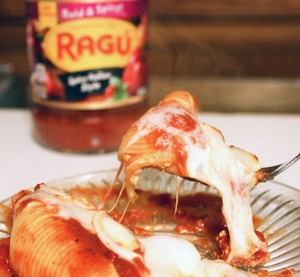 Easy Stuffed Shells Recipe with Spicy Sauce