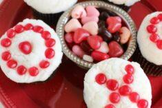 Dark Chocolate Cupcake Recipe – Valentine's Day Cupcakes