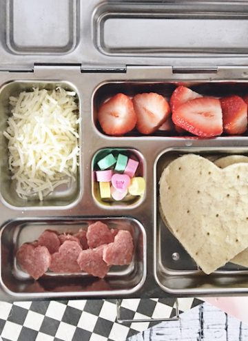 Perfect Valentine's Day Lunch for School – Make Your Own Lunchables