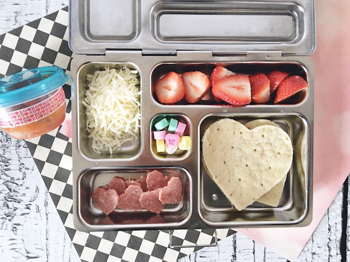 Perfect Valentine's Day lunch for school - DIY pizza lunchable - school lunches