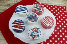 Patriotic Chocolate Covered Oreos Recipe