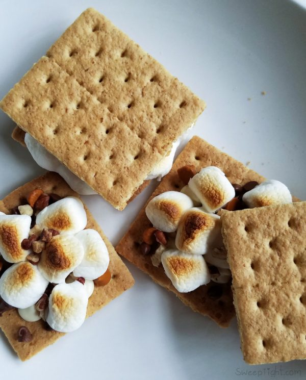 Add my signature indoor s'mores recipe to your toaster oven recipes! #MySignatureMoments #sponsored