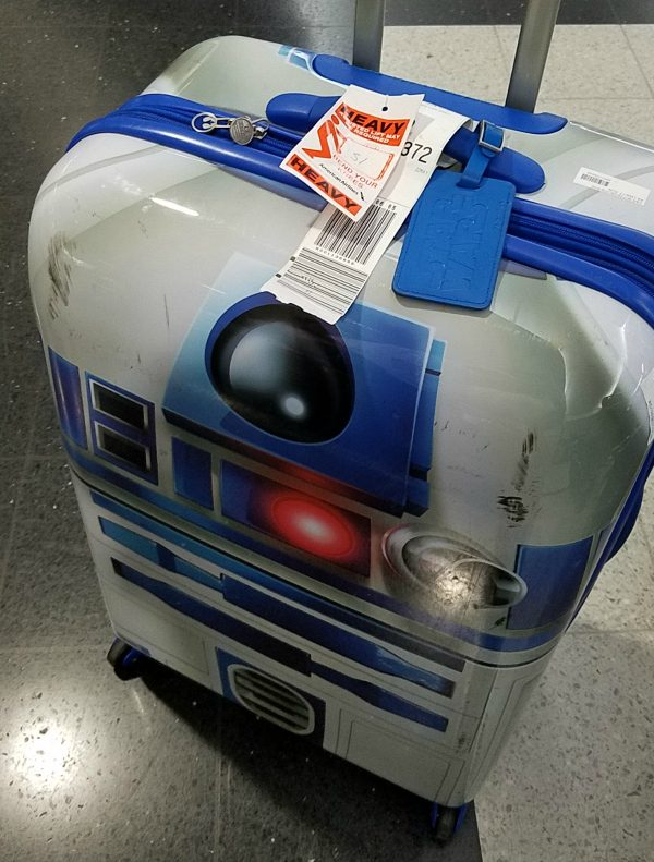 14 Things to bring on vacation in Mexico - Recognizable luggage! Plus the more beat up R2D2 gets, the more authentic he looks!