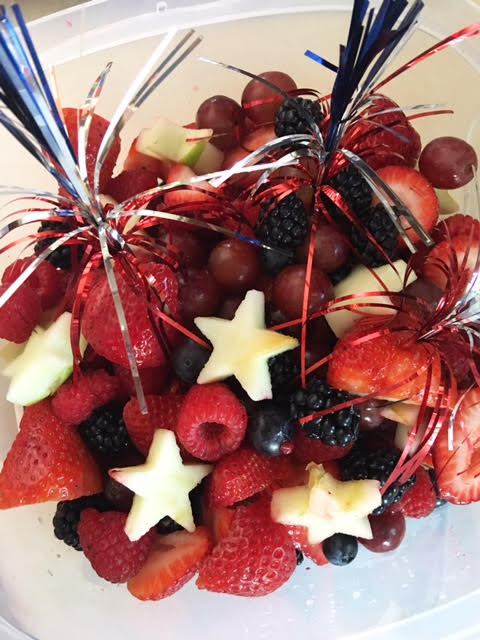 Firecracker salad - very easy fruit salad