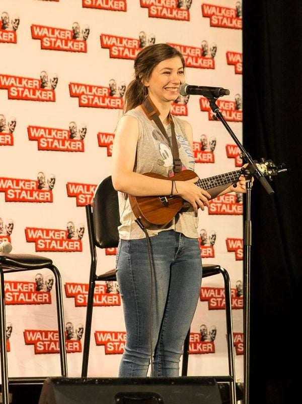 Katelyn Nacon - The Walking Dead (Enid) at Walker Stalker Con Chicago 2016