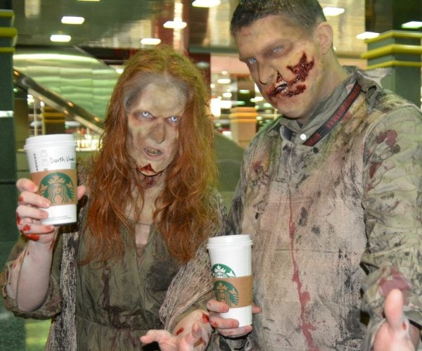 Walker Stalker Con Chicago - Even the dead need Starbucks