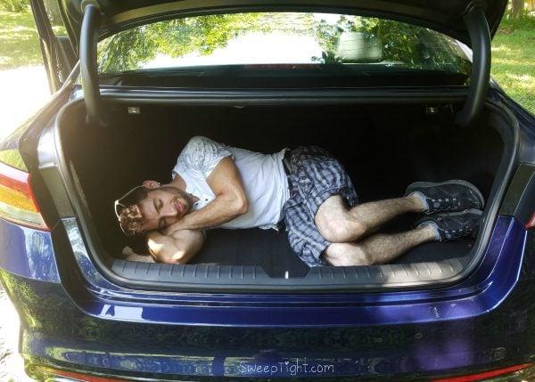 2016 Kia Optima Review - adequate trunk space