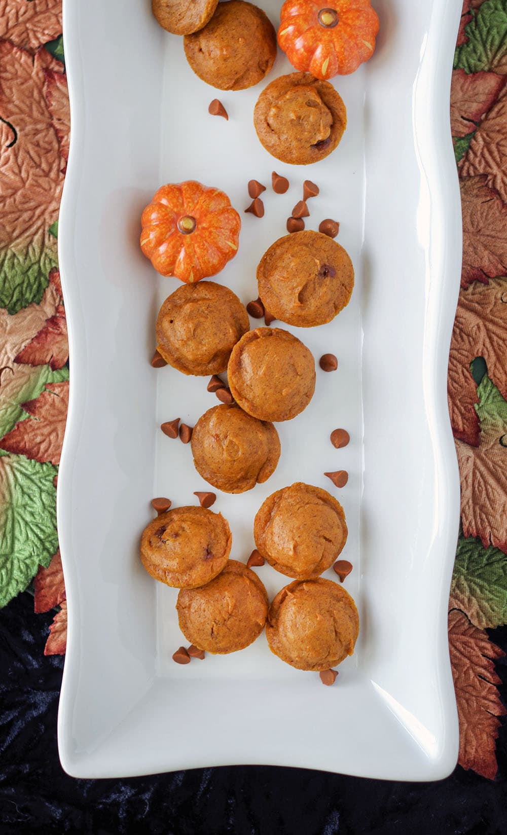 Mini Pumpkin Cake Bites Recipe - perfect little pumpkin cakes to serve at holiday gatherings.