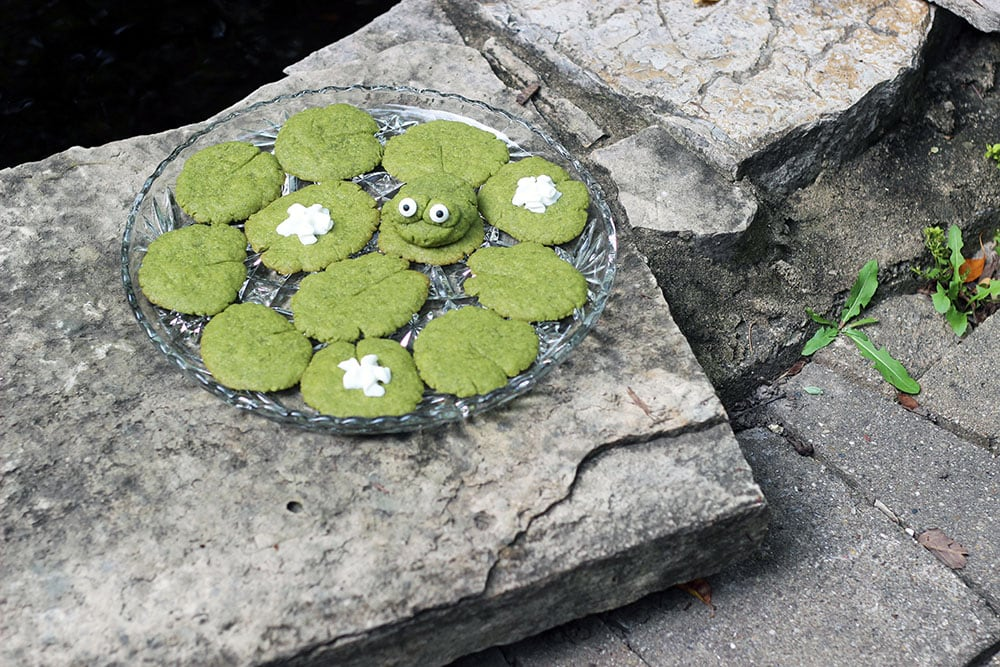 Plate of lily pad cookies and a frog cookie