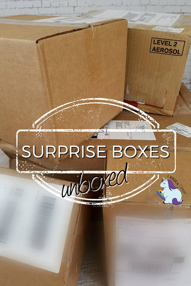 Unboxing surprise boxes - round 7