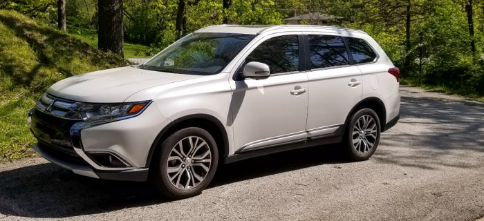 Brunching in the City – 2017 Mitsubishi Outlander Review