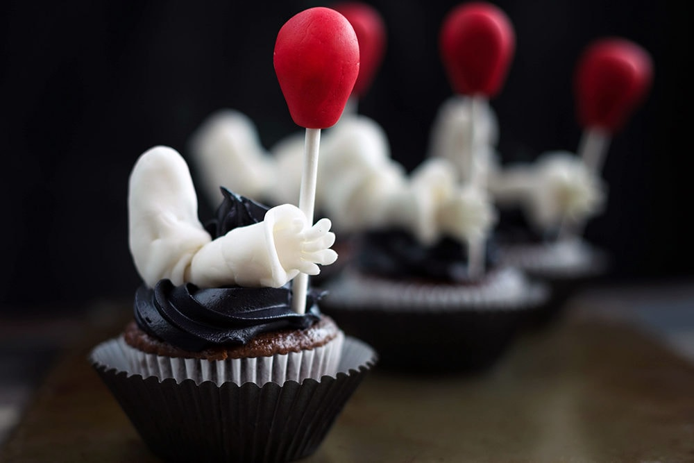 IT movie inspired cupcakes