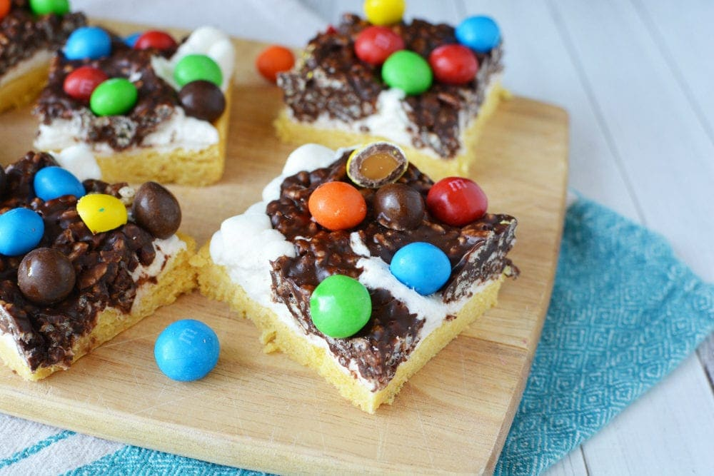 Layered cookie bars with candy