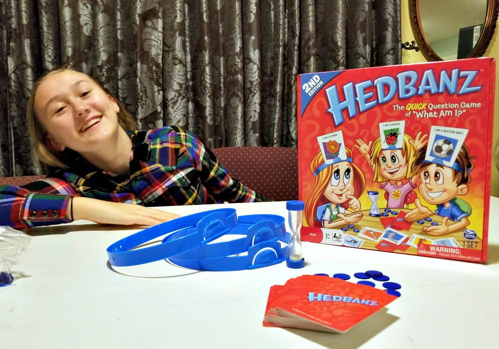 Hedbanz Game Review