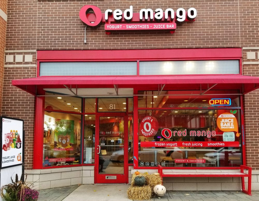 Red Mango in Lagrange, IL - Yummiest Gluten Free and Vegan Red Mango Smoothies #ad