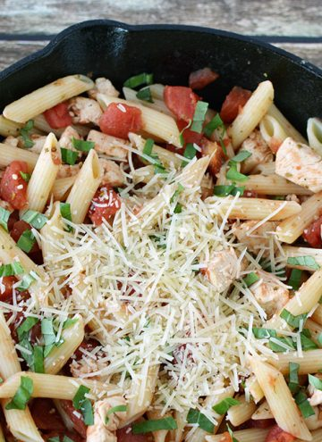 Simple Chicken Pasta Recipe for Busy Nights