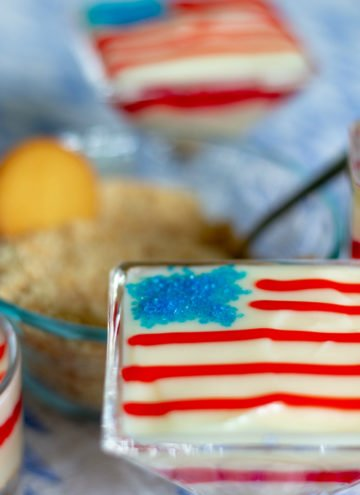 4th of July Desserts – Super Easy and Festive Pudding Parfaits