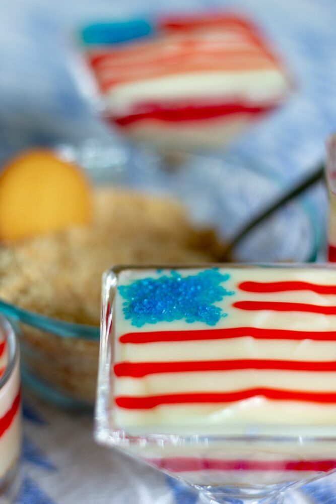 4th of July Desserts - Super Easy and Festive Pudding Parfaits #NILLASummerParty #IC AD