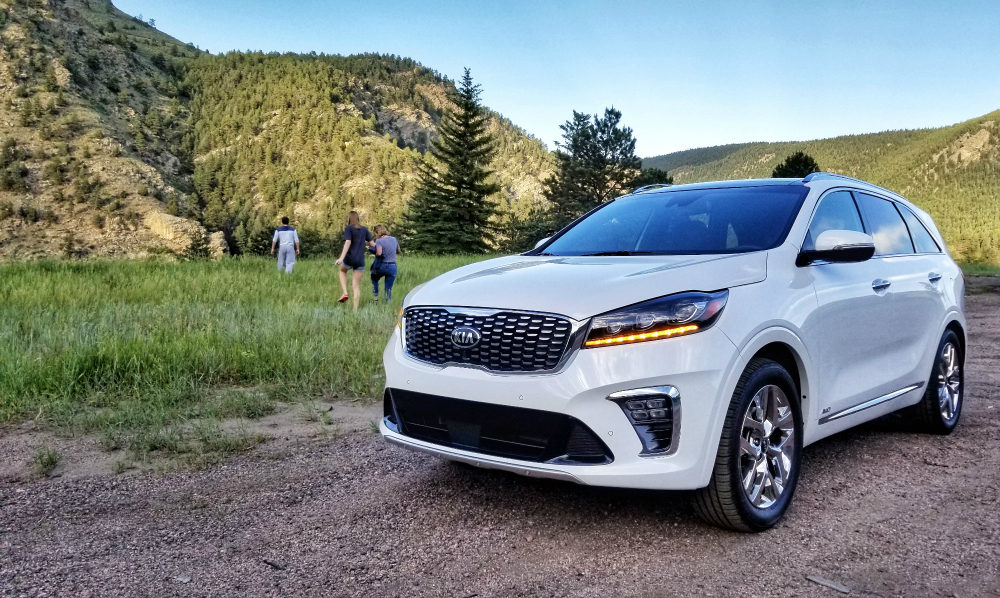 This is the best midsize SUV for family road trips! The 2019 Kia Sorento is safe, sturdy, and luxurious.