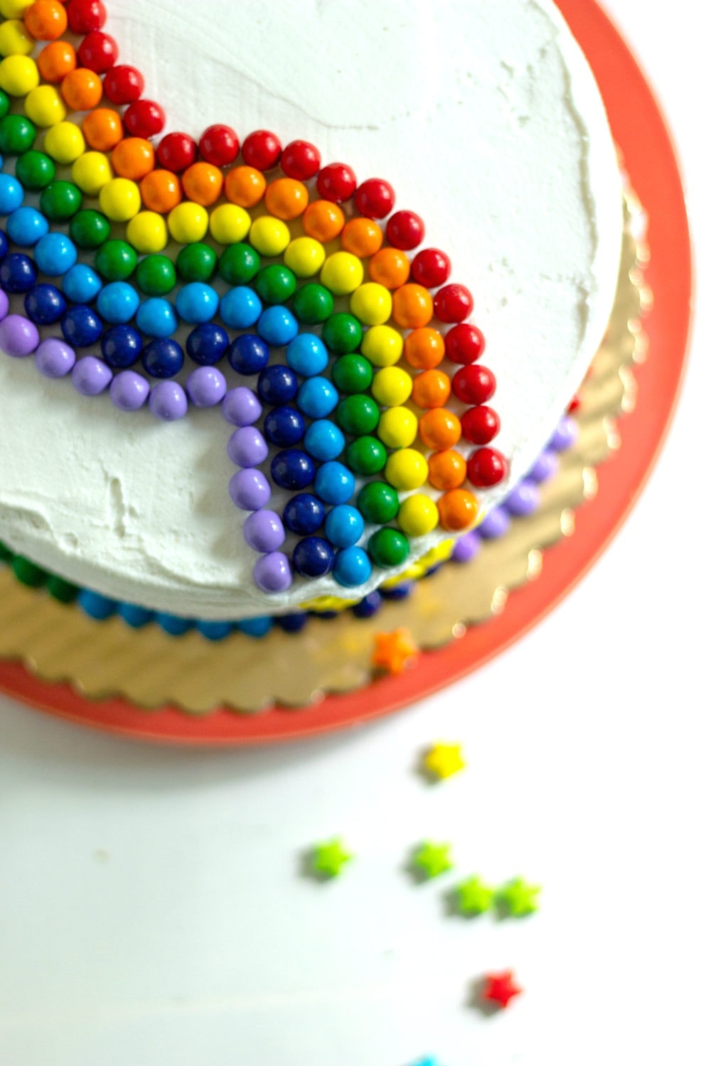 Quick and easy cake decorating - rainbow cake idea
