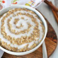 Yummy and easy cinnamon roll oatmeal
