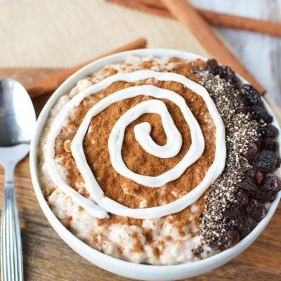 Cinnamon Roll Smoothie Bowl with Chia Seeds and Raisins