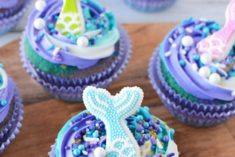 cupcakes with mermaid fins