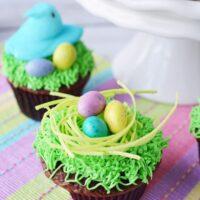 Peeps nest Easter cupcakes
