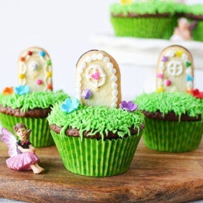 Super cute magical fairy door cupcakes
