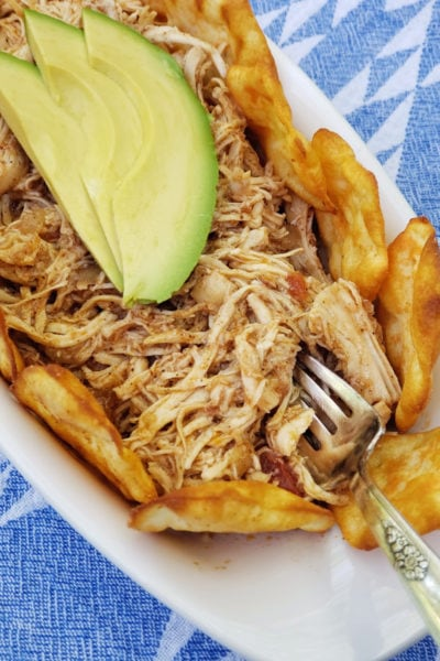 Pulled chicken with avocado and RITZ Crisp and Thins