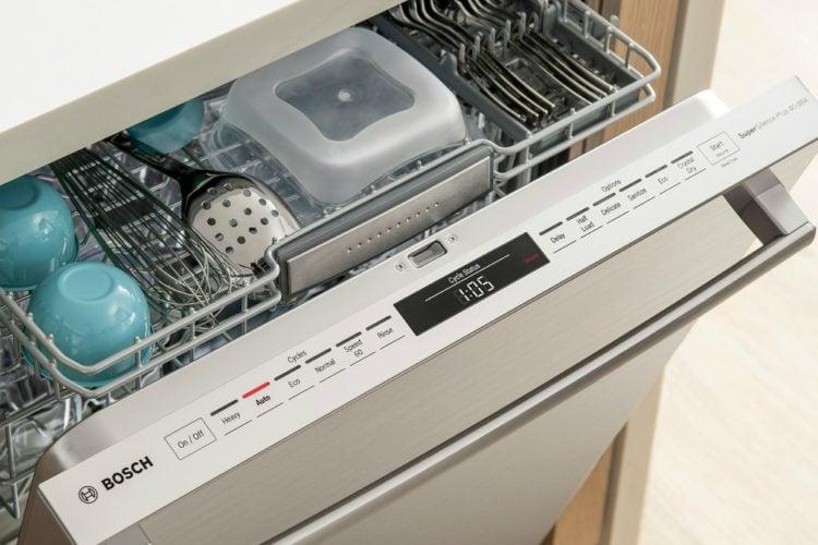 Bosch 800 Series dishwasher slightly open