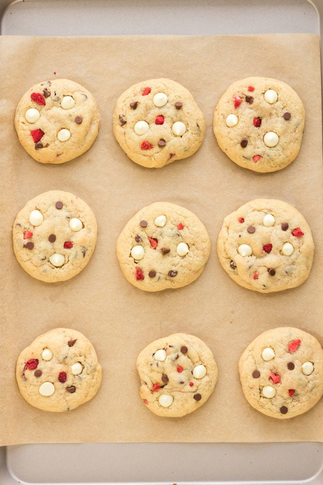 Baked cookies on cookie sheet overhead shot